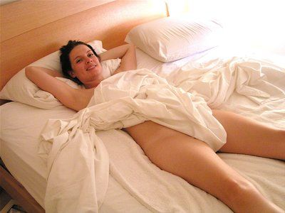 Naked wife in bedroom - Adult images 100% free.