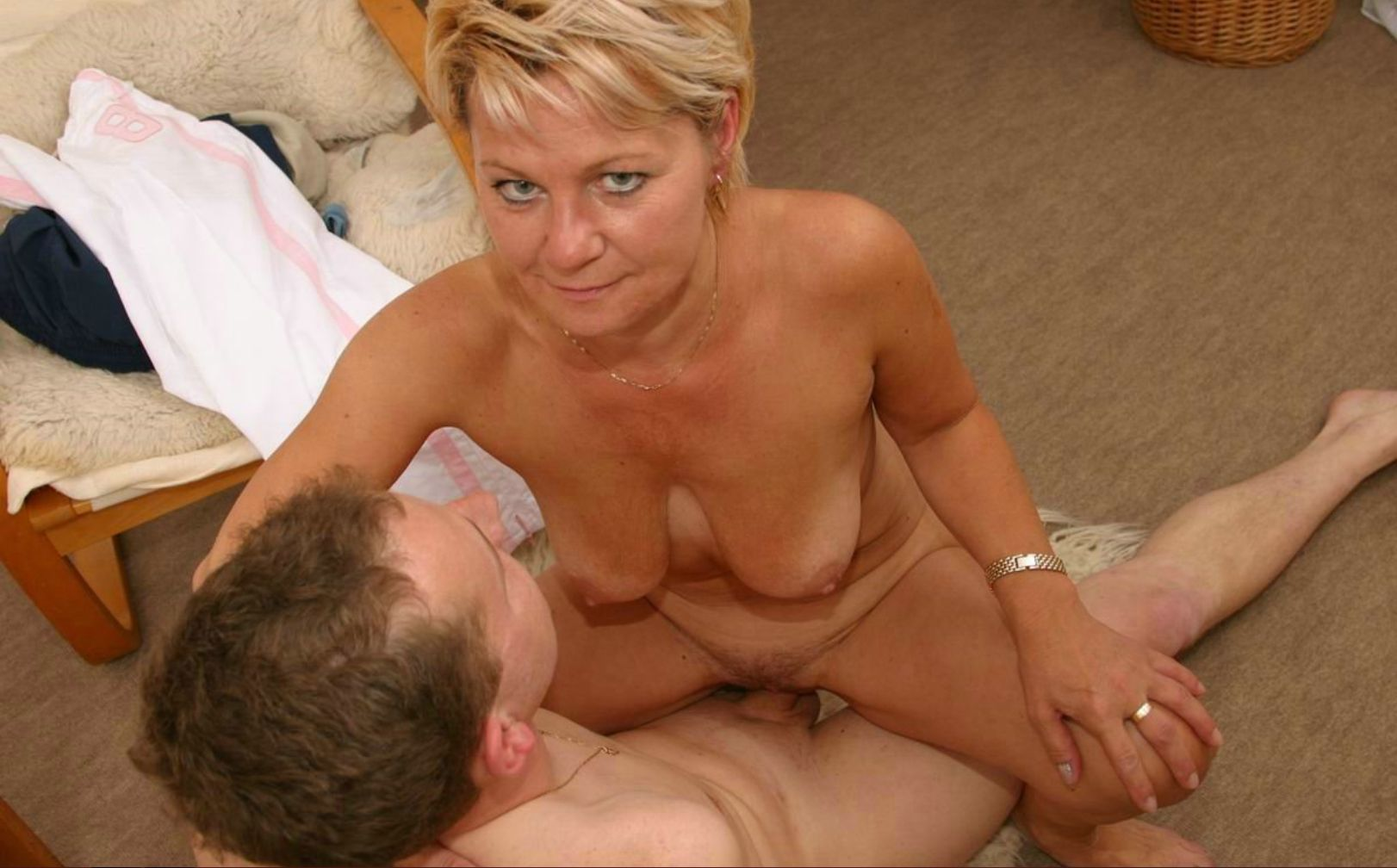 mature naked women fuck porn vids