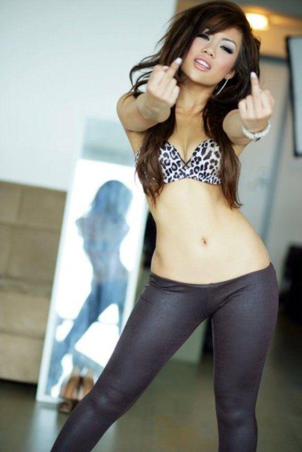 legging nude asian