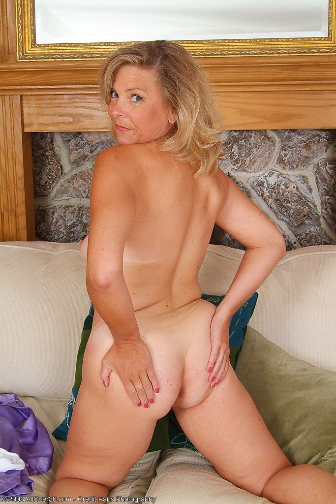 Yes mature sexy blondes nude speaking, you