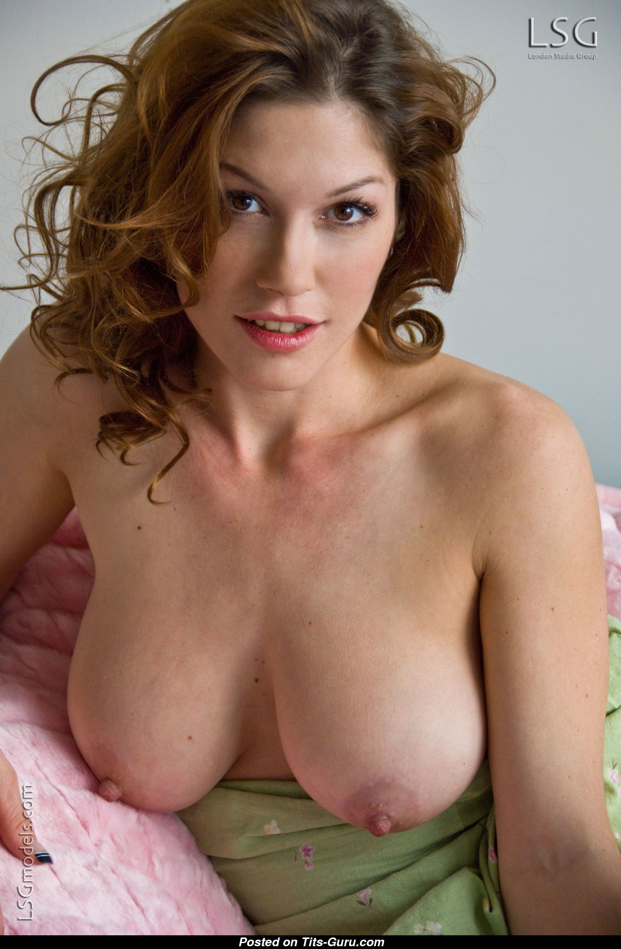 Jane Chase  nackt