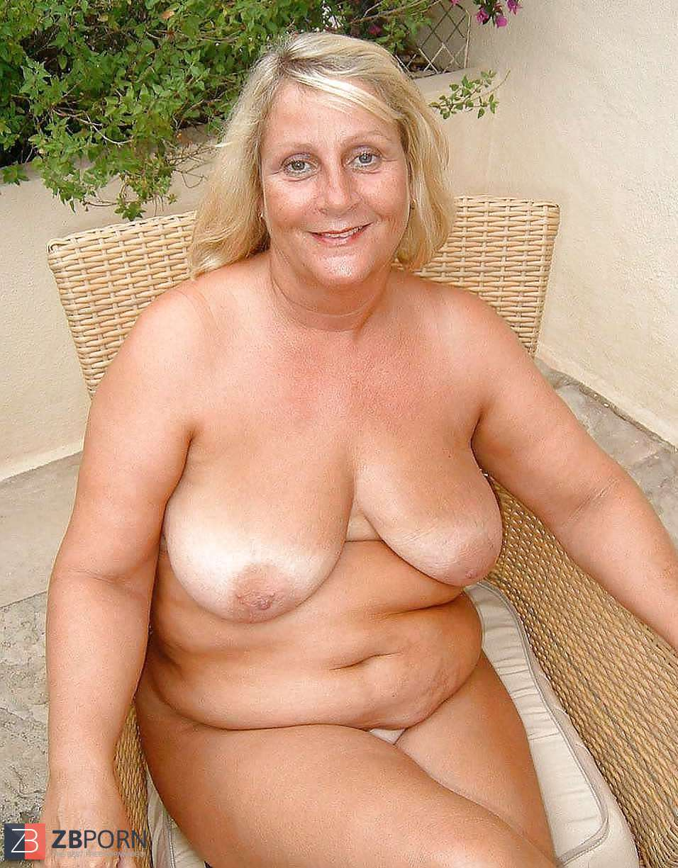 Snapdragon reccomend Busty mature universe