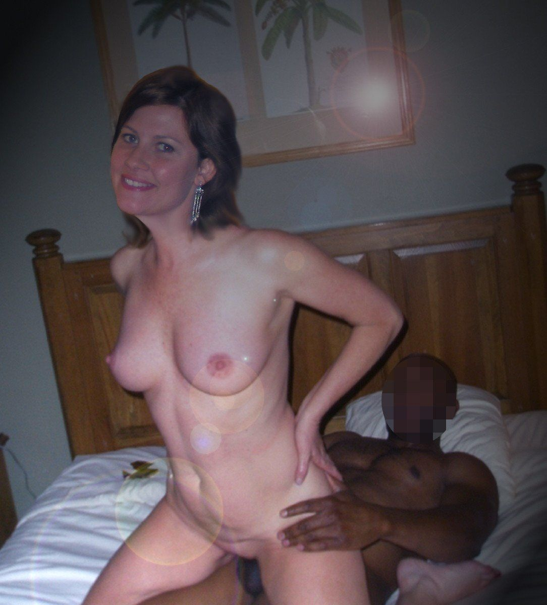 Sexy Redhead Make Her Cuckold Husband Eat Cum From Her Pussy