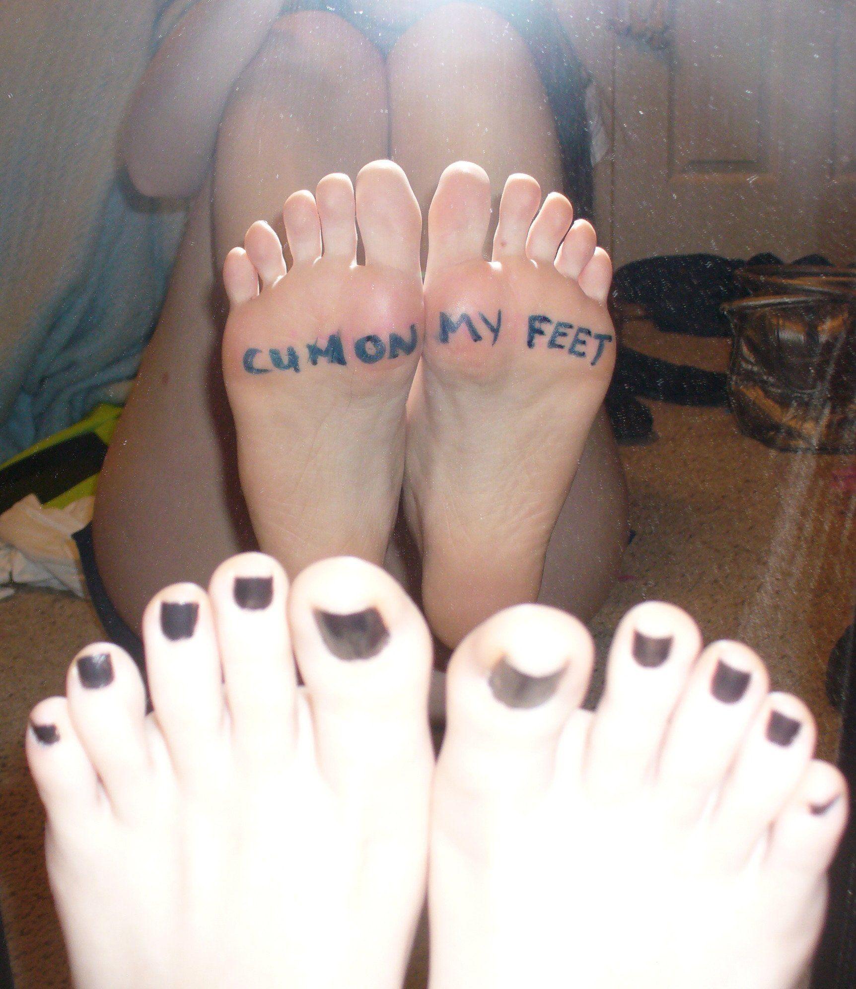 Foot cumshot