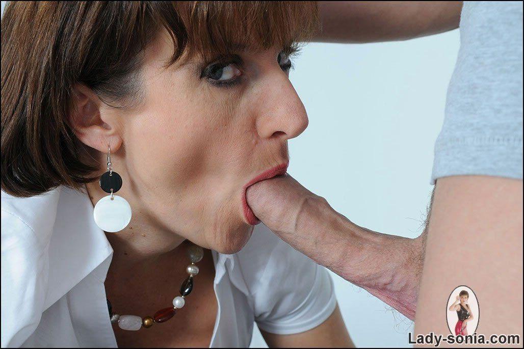 Lady sonia blowjob nude